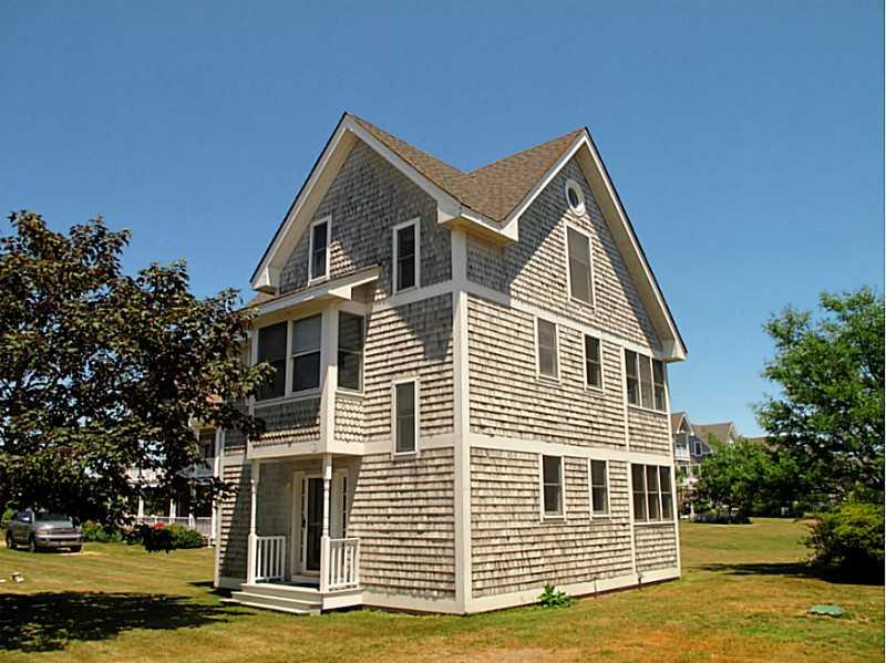 1719 corn neck rd block island ri 02807 crescent beach for Block island cottage